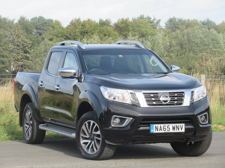 2016 Nissan Np300 Double Cab Pick Up Tekna 2.3dCi 190 4WD